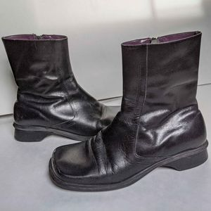Black leather Kenneth Cole Reaction boots size 6.5